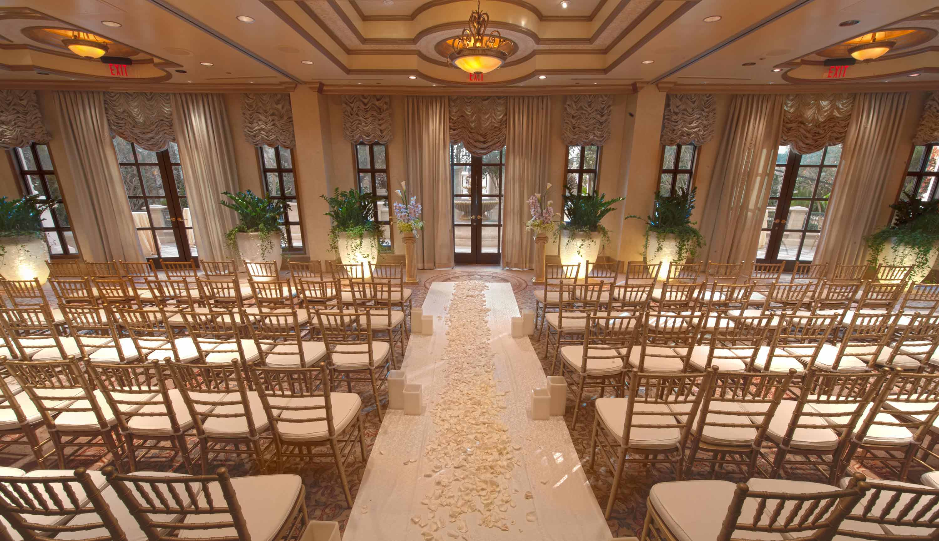 Beautiful wedding chapels in las vegas mini bridal for Gay wedding packages las vegas