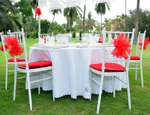 How to choose the right tablecloth size for your wedding